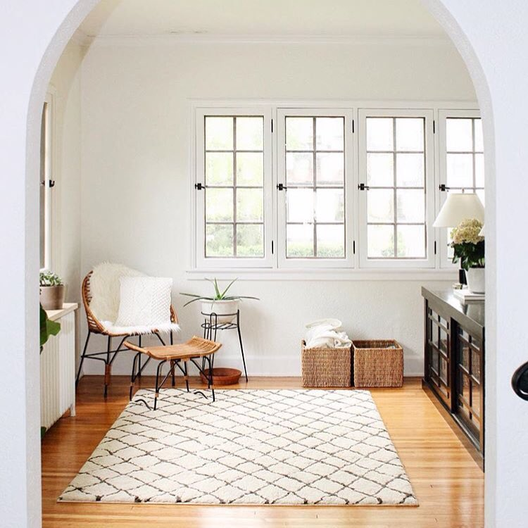 neutral boho living room with beni ourain rug via @citysage
