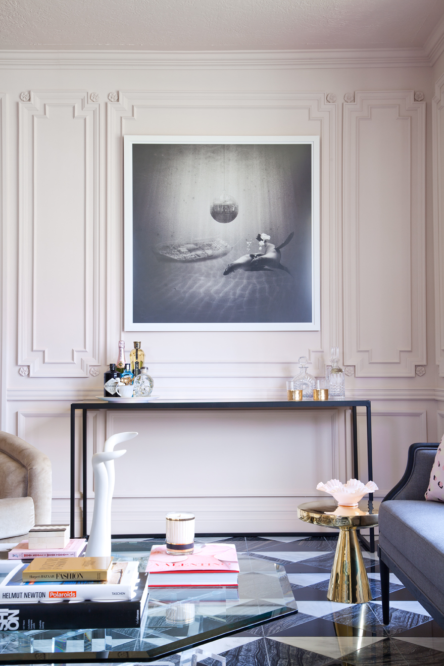 Parisian Living Room with Console Table - Grey Tones