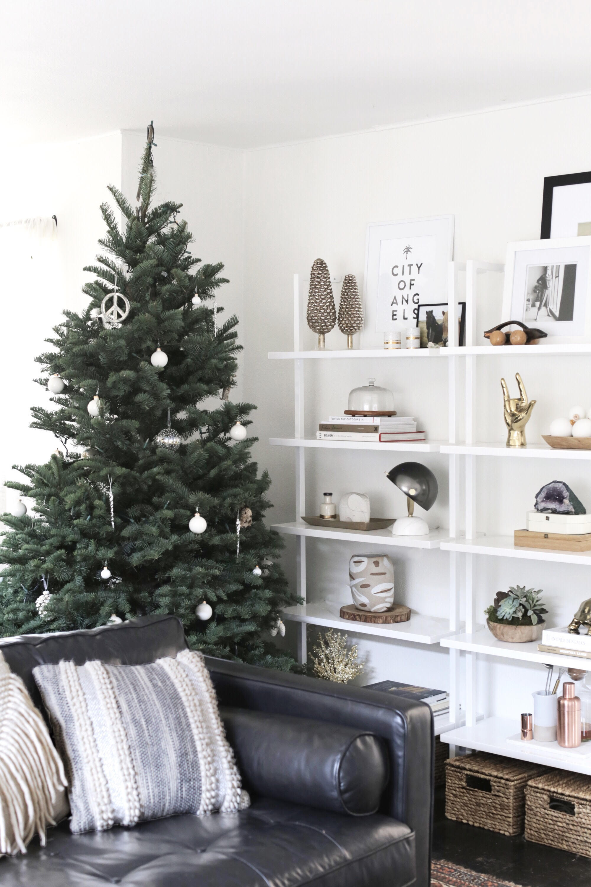 simple + modern holiday decorations and christmas tree via Anne Sage
