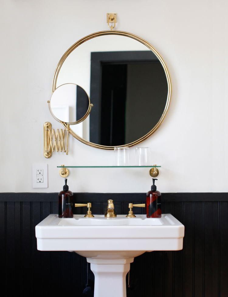 Easy Bathroom Decor Refresh A Round Mirror