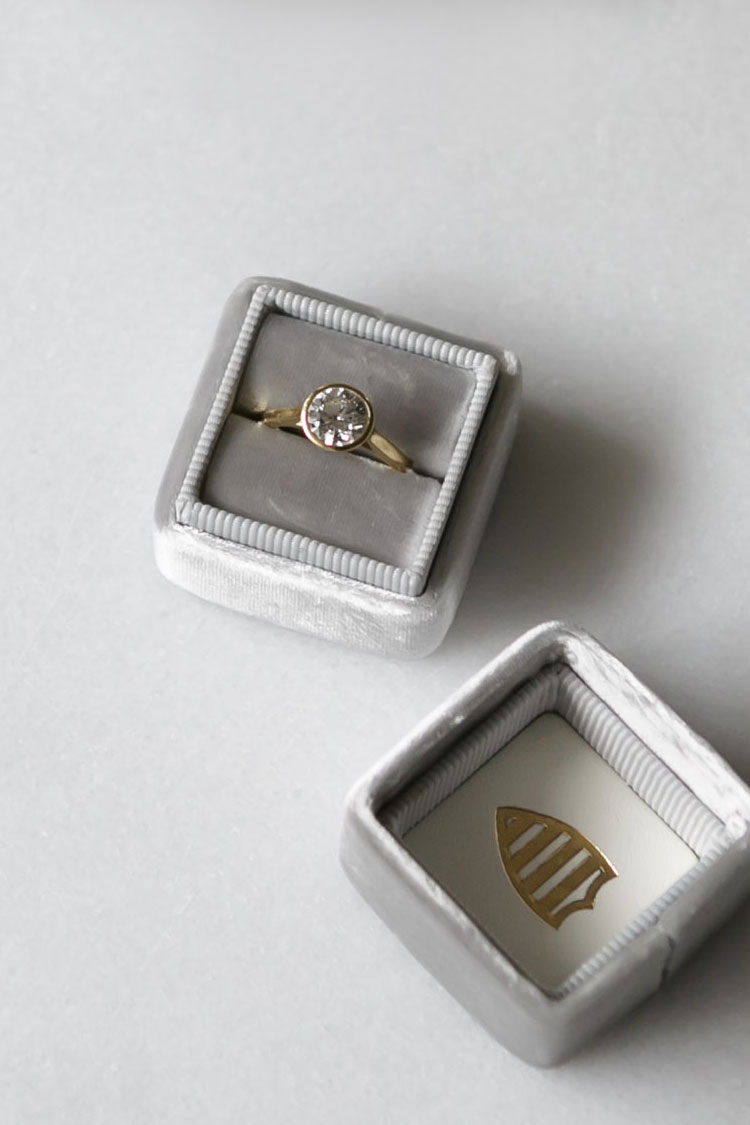 modern diamond solitaire engagement ring via @citysage