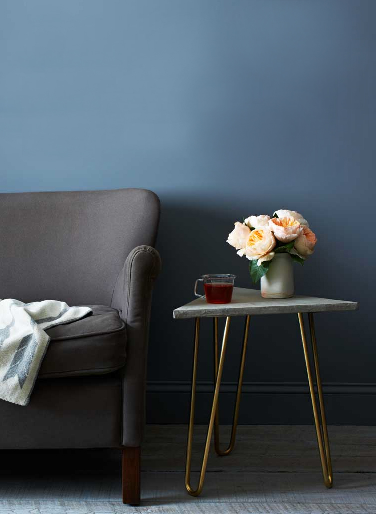 brass and marble hairpin leg table via @citysage