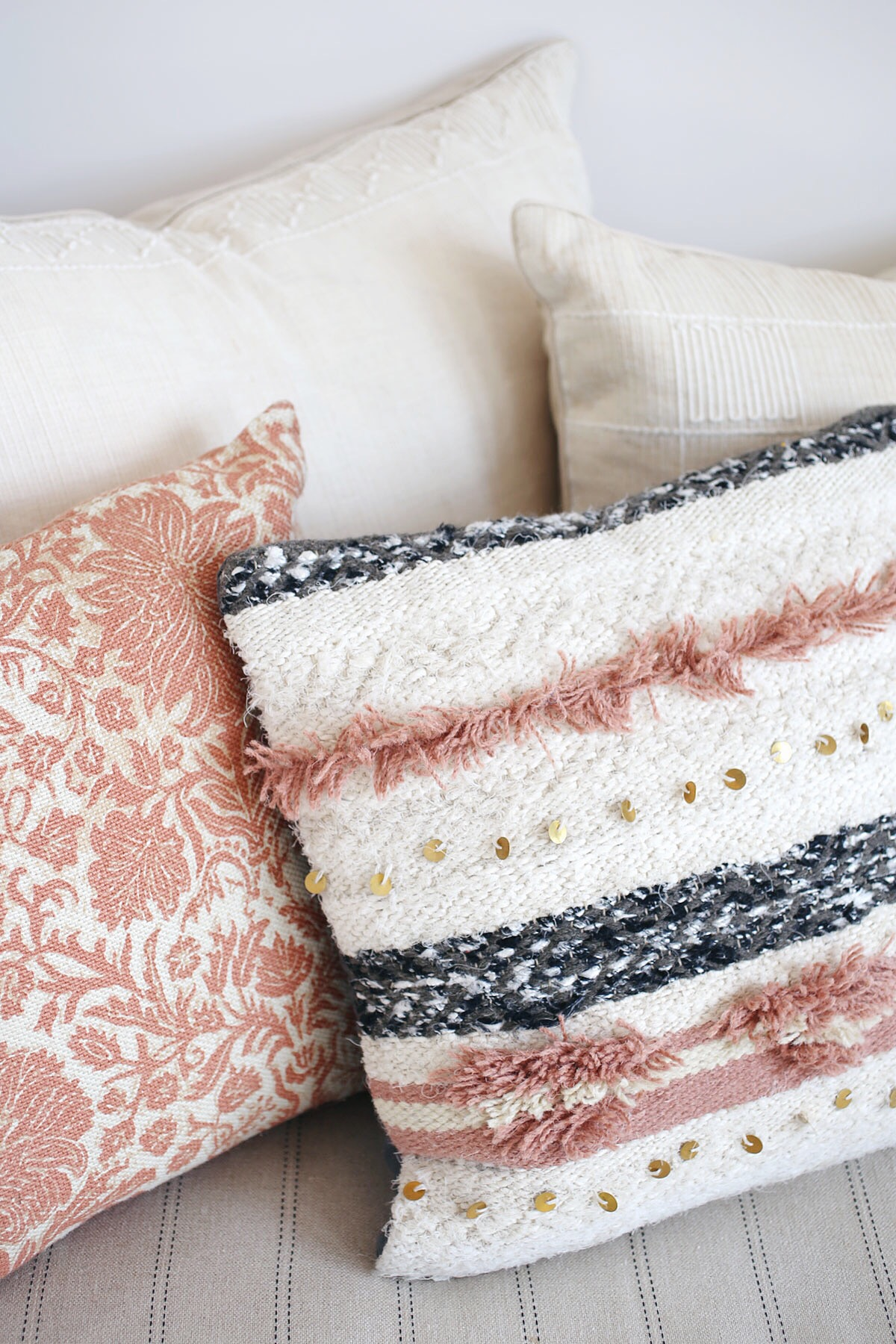 moroccan wedding blanket pillow via @citysage