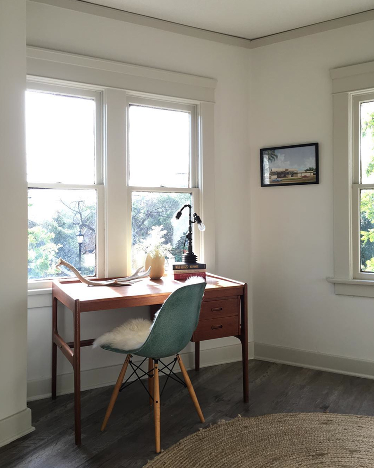 simple vintage office with eames chair via @citysage