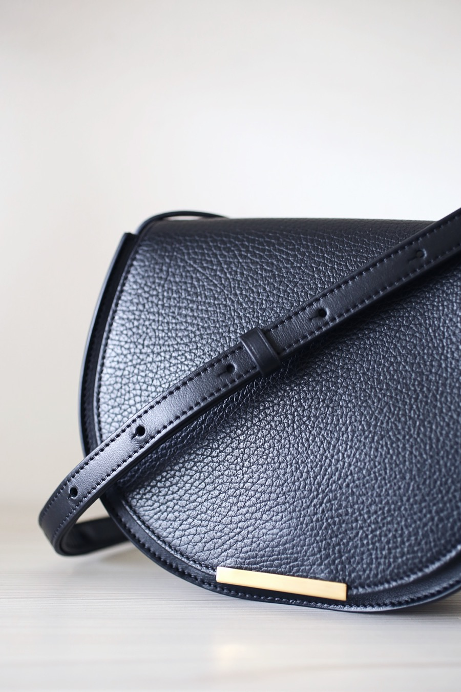 cuyana saddle bag via @citysage