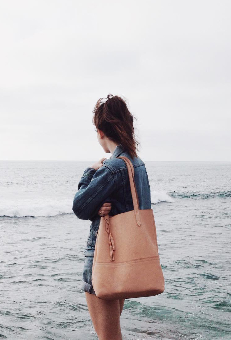 nude leather tote via @citysage