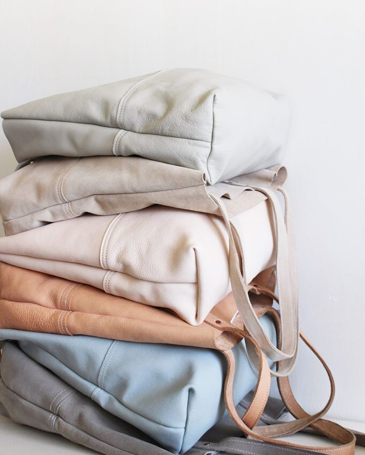 pastel leather totes via @citysage