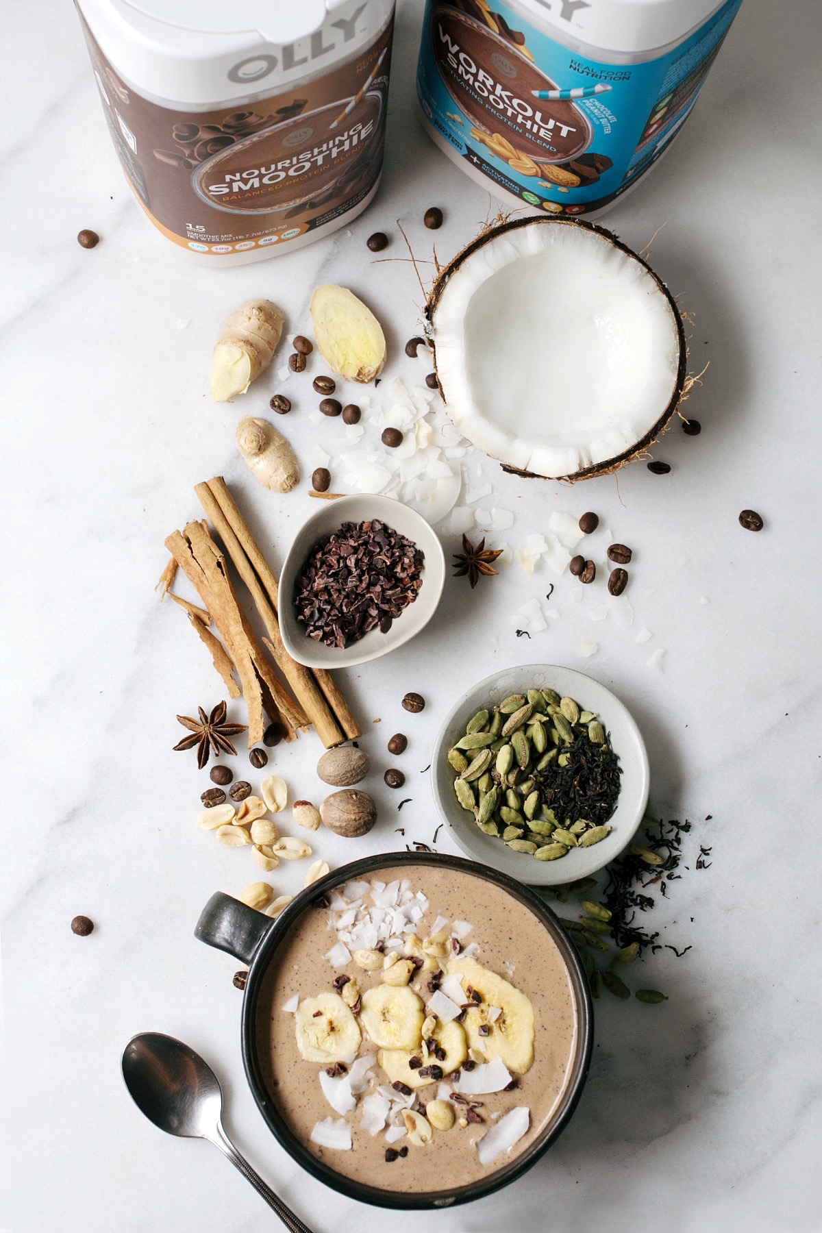 mocha chai smoothie bowl // anne sage