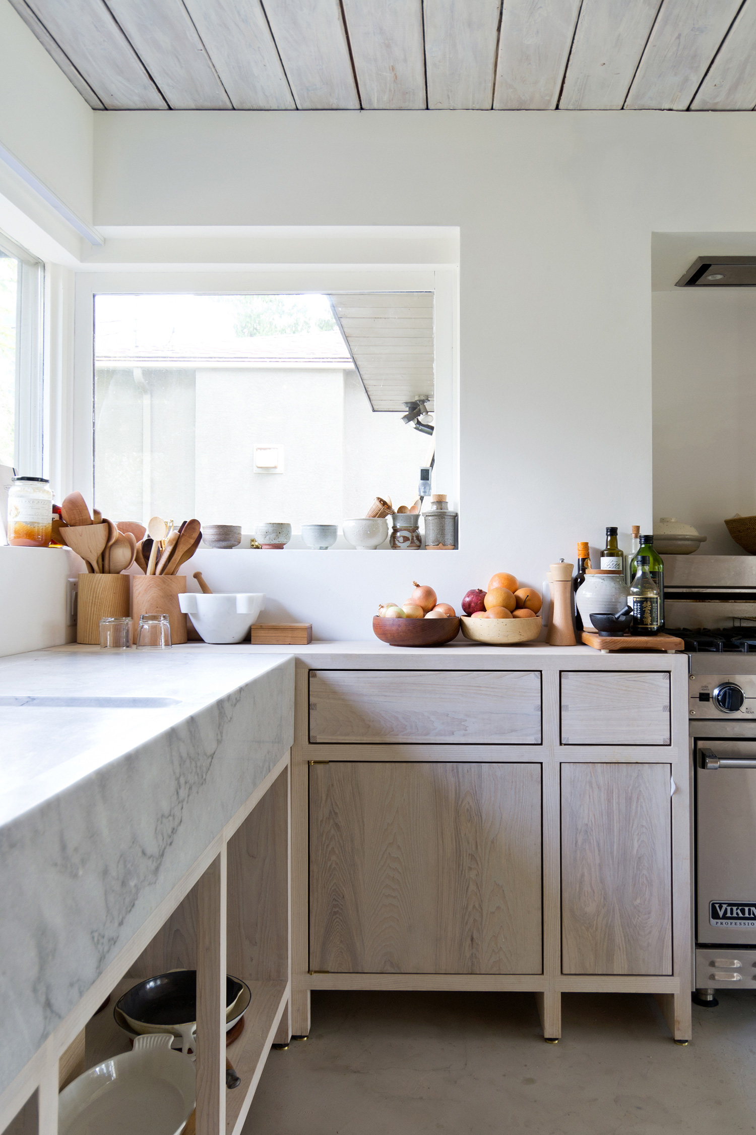pale wood and marble modern kitchen // anne sage
