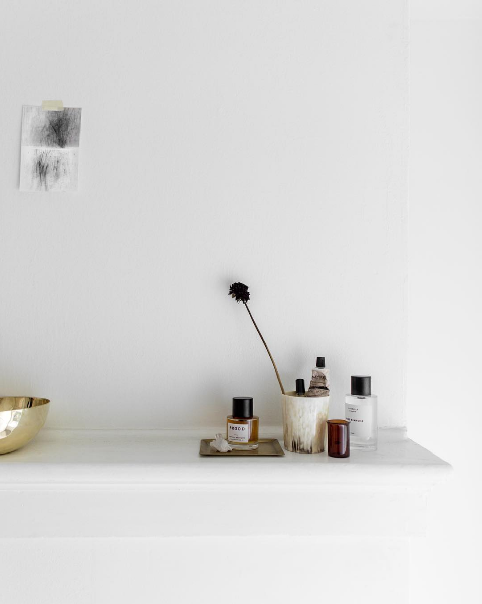 minimalist styling + best of fall beauty products // anne sage