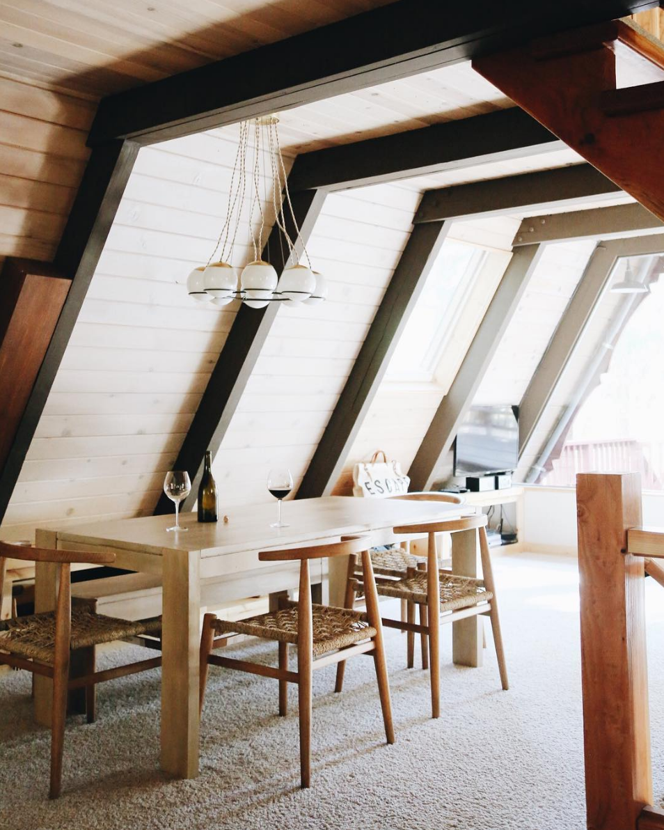 rustic cabin dining room // anne sage