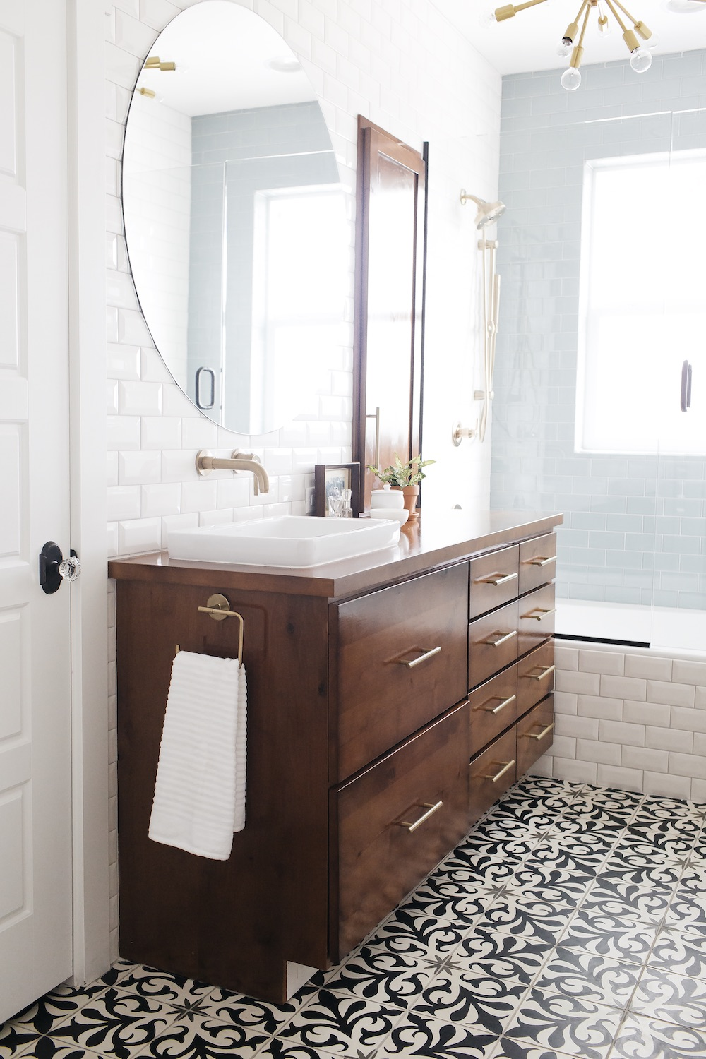 bathroom with subway tile and mosaic floor // anne sage