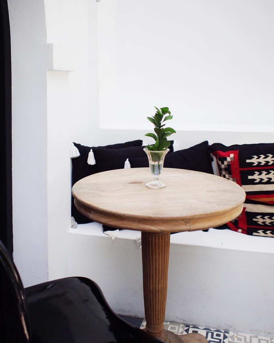global decor with reclaimed wood table // anne sage
