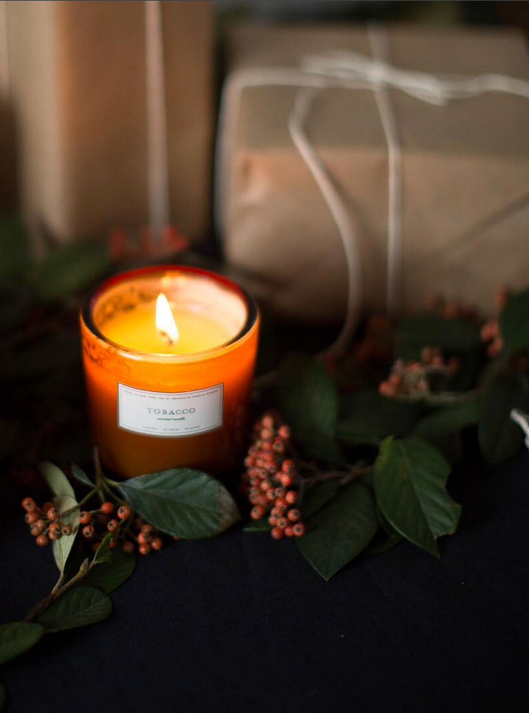 christmas candle + holiday decor // anne sage